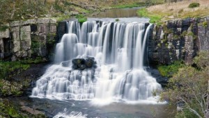 Top 10 Australia Waterfalls for a Memorable Family Vacation